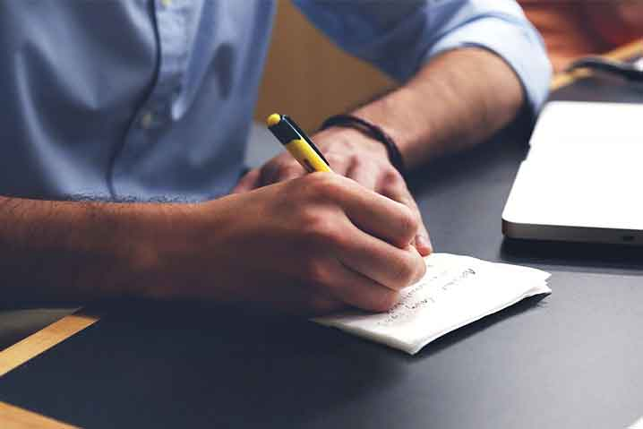 人の仕事を取る人への考え方と対処法